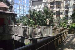 Footwalk inside Gaylord Palms, Orlando, Florida, USA