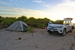 Wild camping at the beach north of Perth in Western Australia