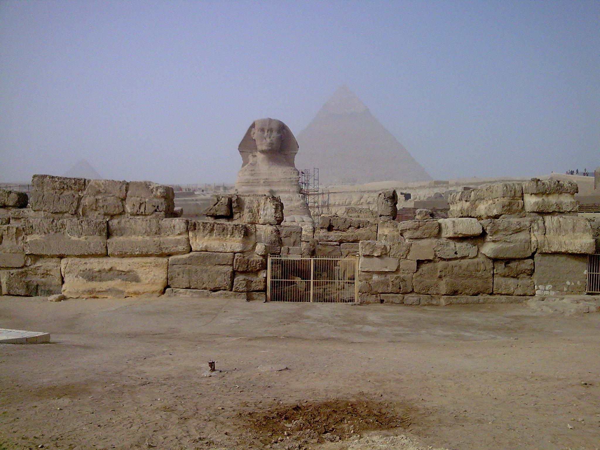 Sphinx und Pyramiden in Gizah, Ägypten